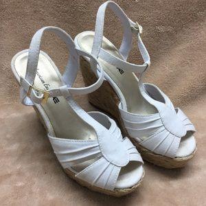 3/25 AEO white wedge heels braided rope sandals